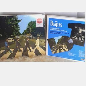 THE BEATLES ABBEY ROAD VINYL RECORD AND T SHIRT